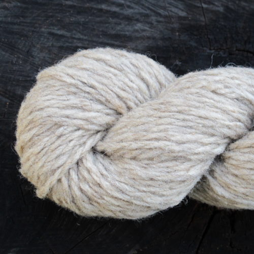 La pure laine naturelle France n'a subi aucun traitement chimique. Elle existe en 4 coloris naturels et en 3 épure laine naturelle france bizet aiguilles 7 à 10 bellelainepaisseurs de fil.